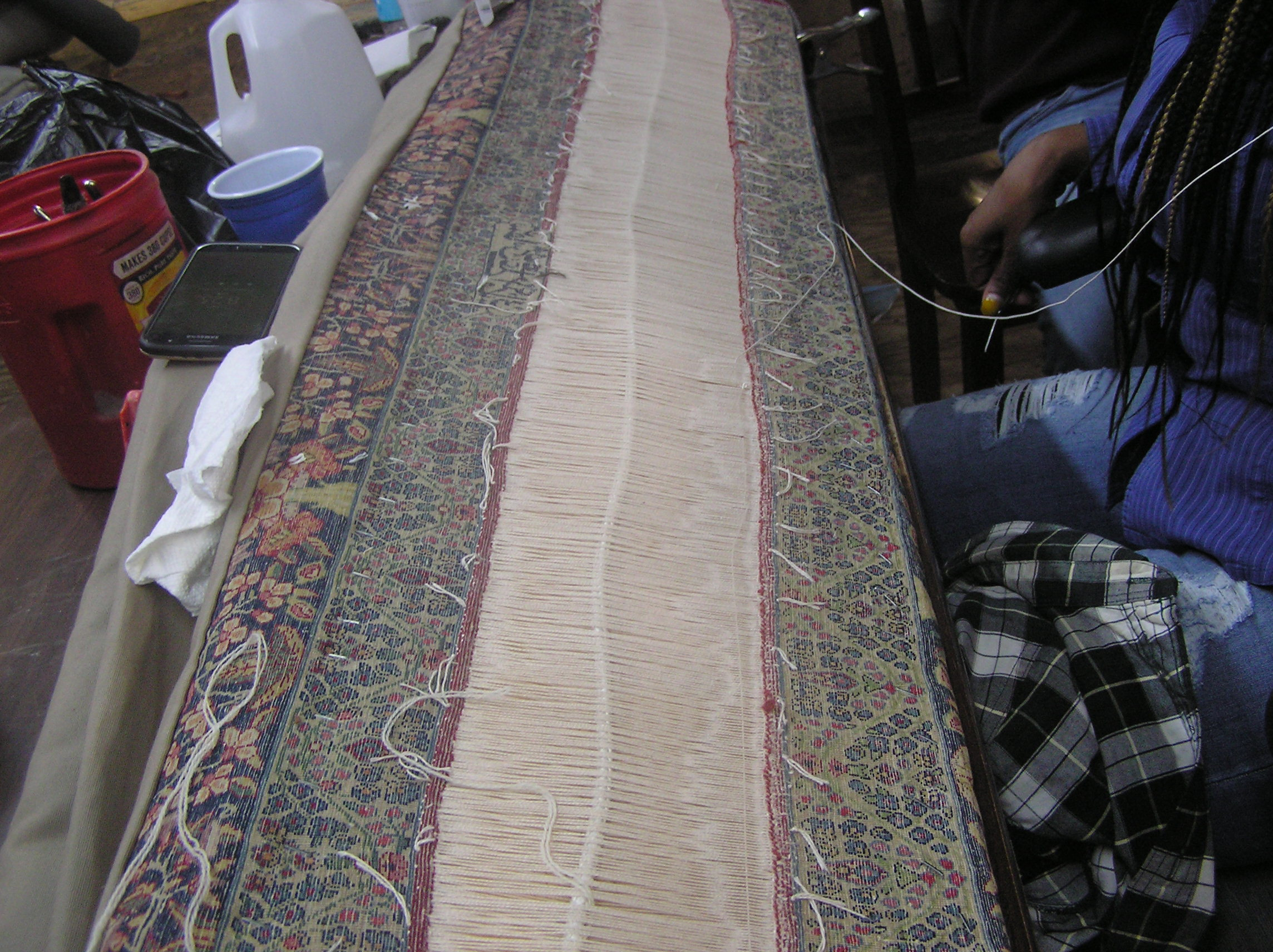 In sarbafi both ends of the rug are connected warp by warp